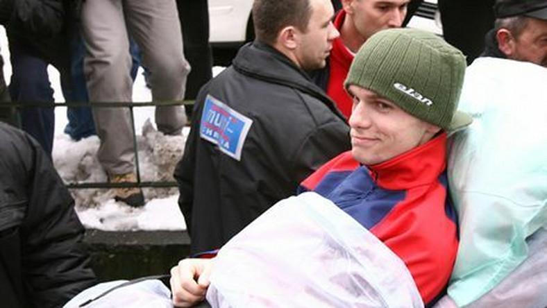 N/Z. JAN MAZOCH OPUSZCZA KRAKOWSKI SZPITAL UNIWERSYTECKIKRAKOW, 2007/01/31SKOKI NARCIARSKIEFOTO:TOMASZ MARKOWSKI / AGENCJA PRZEGLAD SPORTOWY