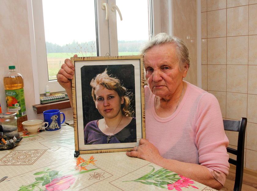 Babcia ofiary nie mogła powstrzymać łez