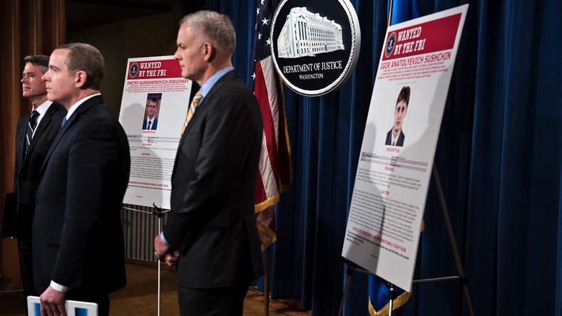 Konferencja prasowa podczas której ogłoszono zarzuty dla trzech Rosjan