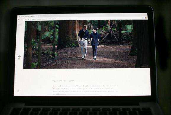 Šetnja u šumi kanadskog ostrva Vankuver - fotografija sa zvaničnog sajta kraljevskog para