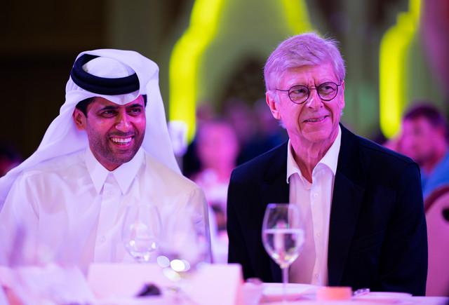 Arsen Venger na svečanoj večeri u Kataru