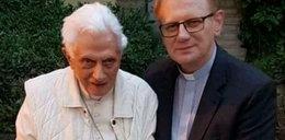 Sekretarz papieża Benedykta XVI prosi o modlitwę za niego