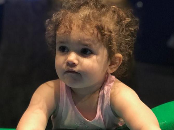 Nepoznati ljudi na ulici mi zagledaju ćerku (2), kažu da je OGROMNA i postavljaju OVO UŽASNO PITANJE: Morate da prekinete s tim - evo zašto