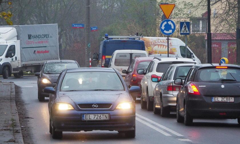 Nowo powstałe rondo korkuje ulicę Krakowską w Łodzi