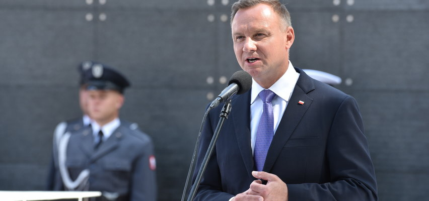 """""""Prezydencie, to nie jest dobry czas na urlop!"""" Polacy krytycznie o wypoczynku Andrzeja Dudy"""