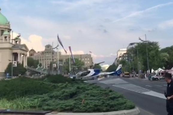 """PRVI PUT U ISTORIJI Helikopter """"gazela"""" sleteo u samom centru Beograda (VIDEO)"""