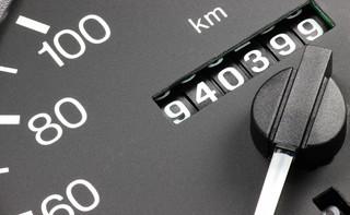 Liczniki samochodowe pod wzmocnionym nadzorem