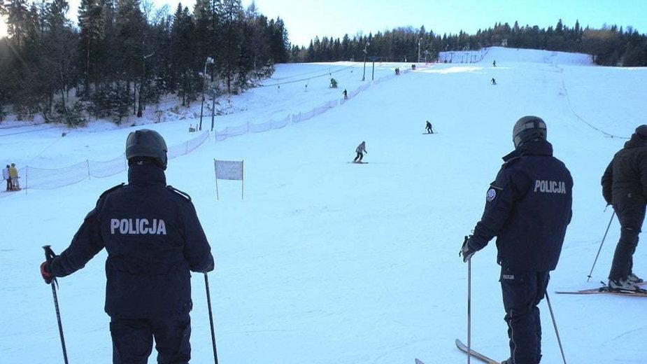Patrole policyjne na stokach narciarskich