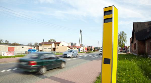 Kierowcy nagle zwolnili? Duży spadek mandatów z fotoradarów