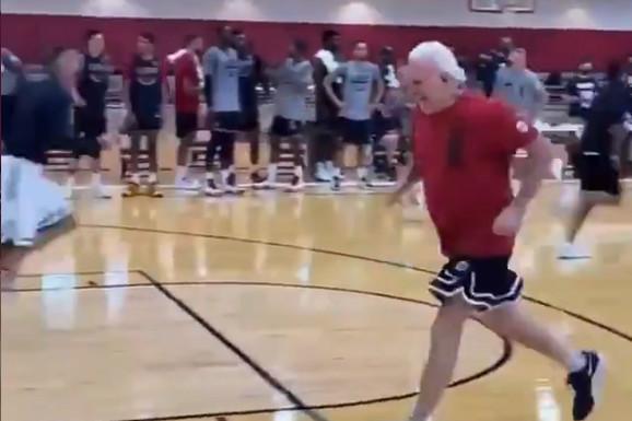NBA asovi imaju svoja pravila, umesto njih - kažnjavaju se treneri: Legendarni Greg Popović u 73. godini morao da trči SPRINTEVE! /VIDEO/