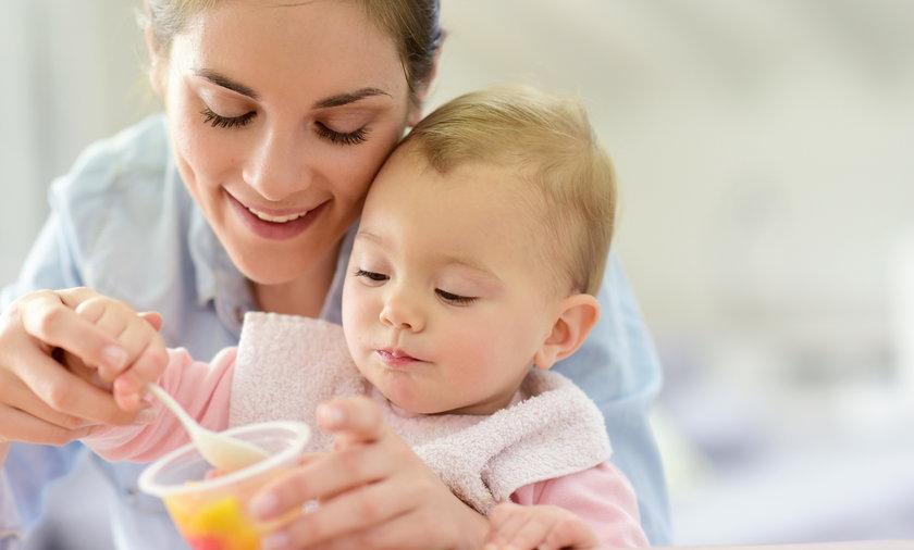 Warto od najmłodszych lat wyrabiać u dziecka prawidłowe nawyki żywieniowe