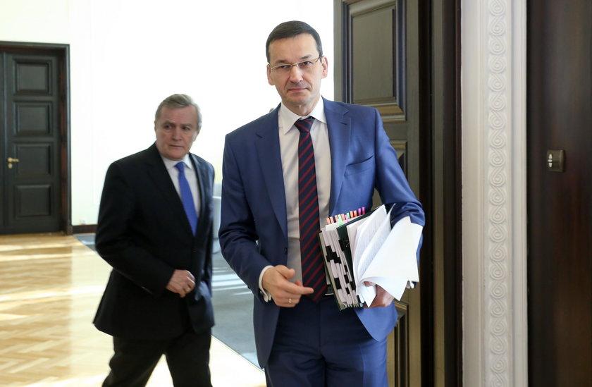 """Paraliż w skarbówce po reformie! """"Straty idą w miliony złotych"""""""