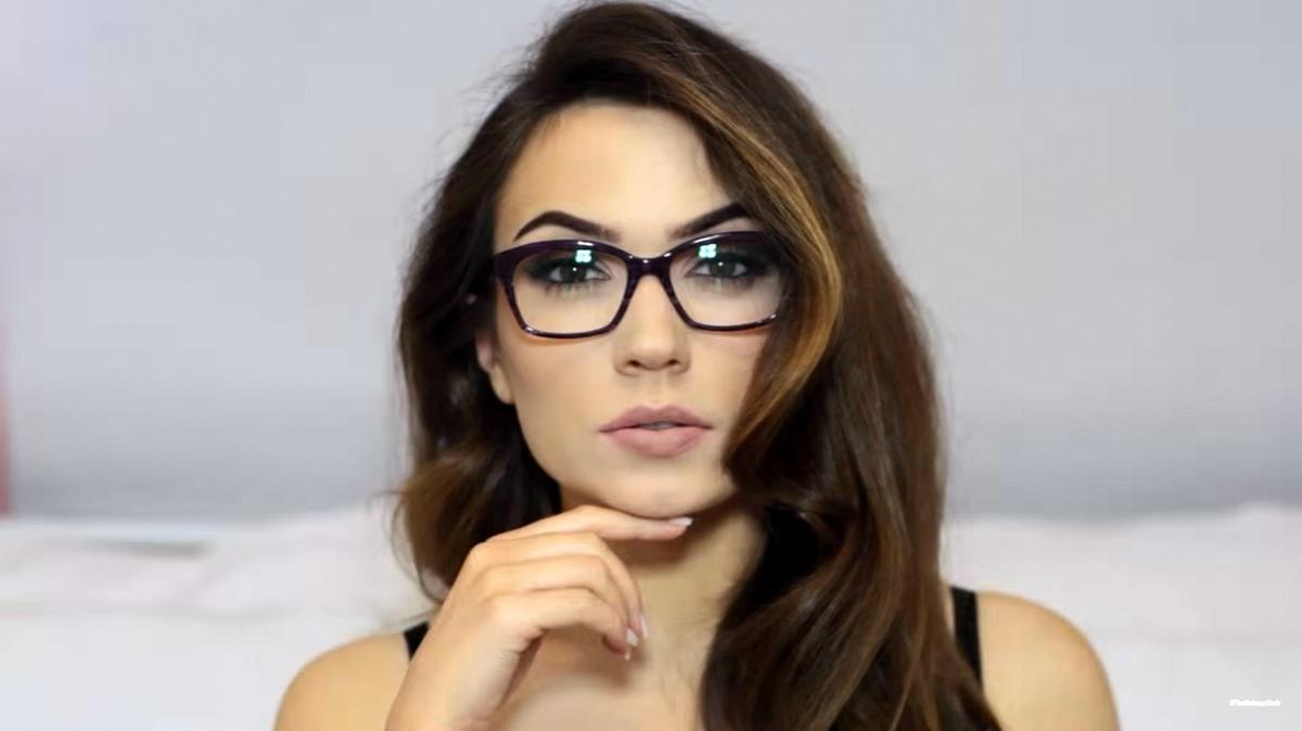 Sminktippek szemüvegeseknek Kiskegyed