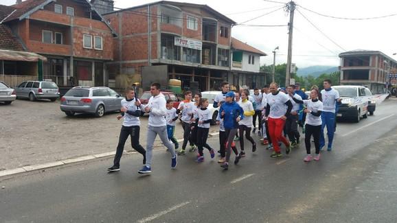 Atletičari i rekreativci se priključili Trci mira