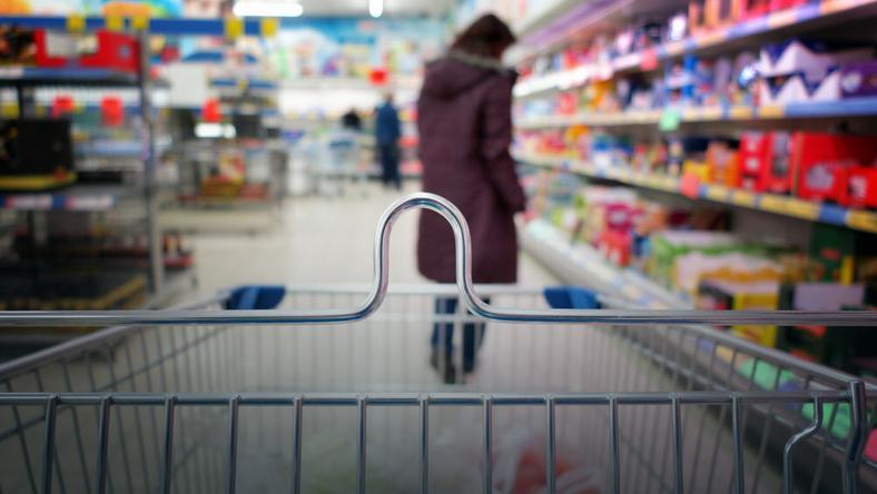 Opłaty półkowe: za co każą sobie płacić sieci handlowe?