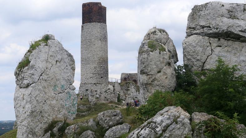 Kilkaset krzemiennych narzędzi wykonanych przez neandertalczyków odkryli archeolodzy w czasie wykopalisk w jaskini położonej na terenie zamku w Olsztynie (woj. śląskie) na Jurze Krakowsko-Częstochowskiej.