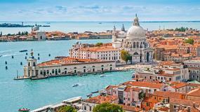 Wenecja pęka w szwach i walczy z jednodniowymi turystami