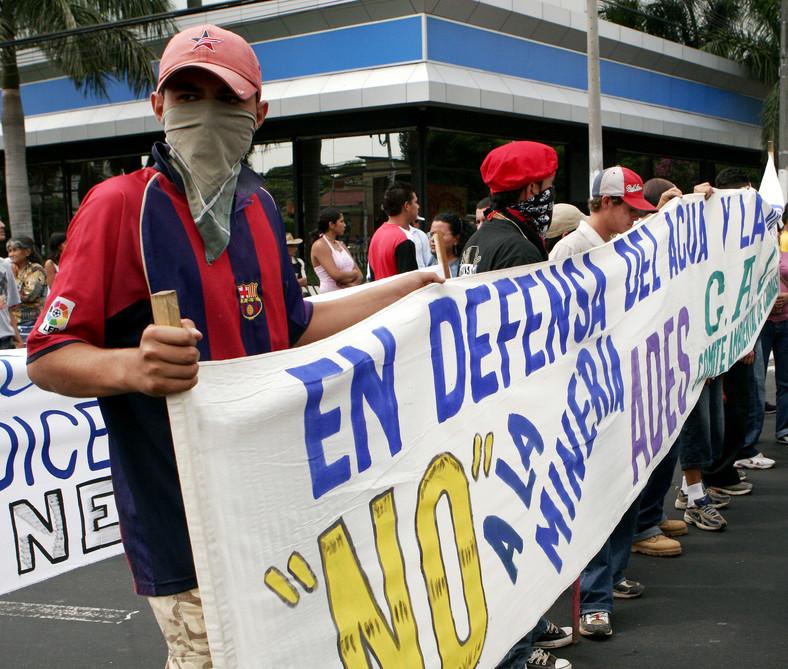 Salwador protesty górników