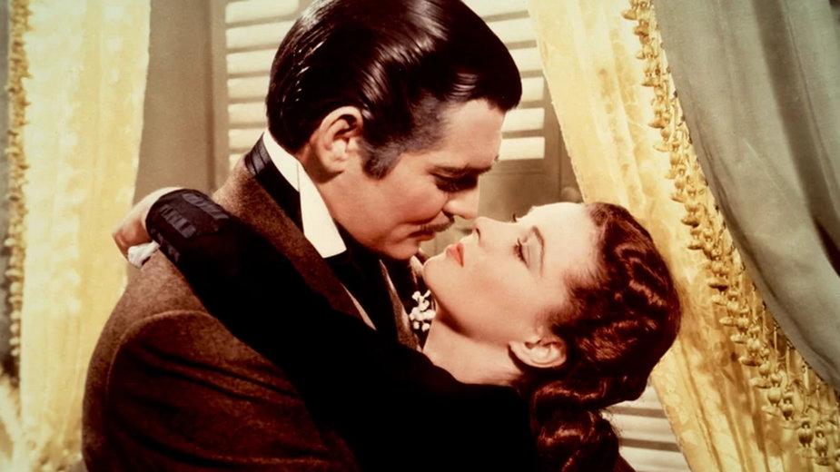 """Clark Gable i Vivien Leigh w filmie """"Przeminęło z wiatrem"""""""