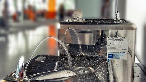 W strefie wolnocłowej butelka wody kosztuje nawet 9 zł. Teraz można korzystać z bezpłatnej wody pitnej