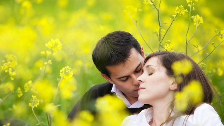 Dlaczego wiosną łatwiej się zakochujemy?