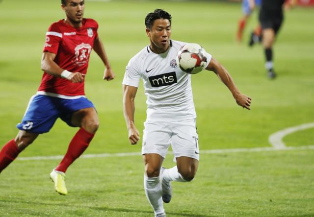 Takuma Asano na meču FK Partizan - FK Sfintul