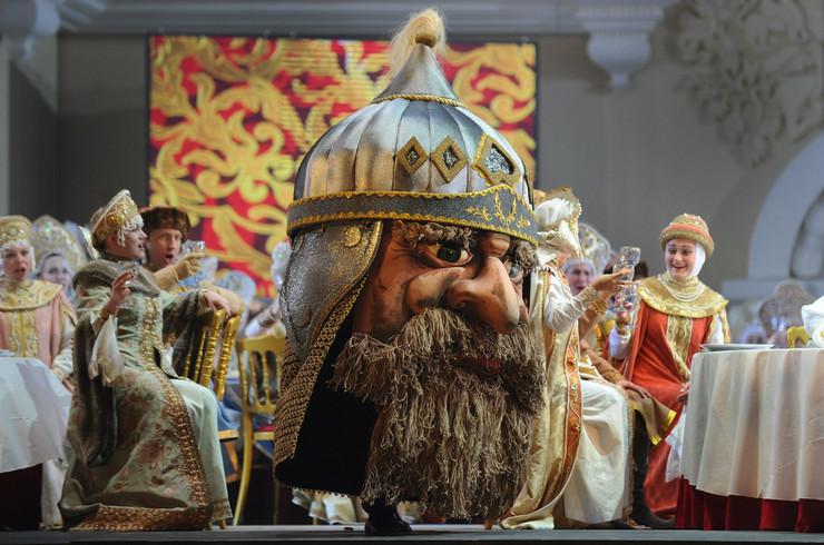 233429_opera-ruslan-i-ljudmila-na-sceni-boljsoj-teatra-u-moskvi-afp