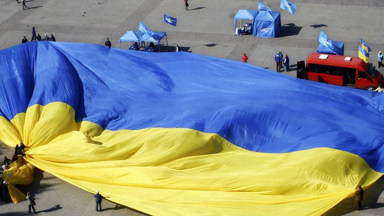 Ukraińcy odetchnęli z ulgą. Koniec awantury o Surkisa to też koniec gróźb UEFA, że Kijów starci prawo do organizacji Euro 2012