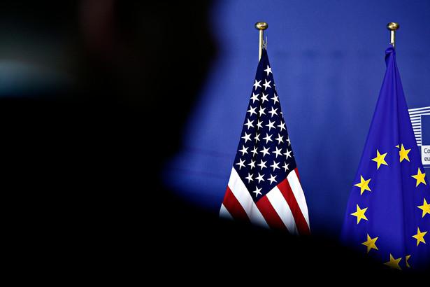 Flagi USA i Unii Europejskiej