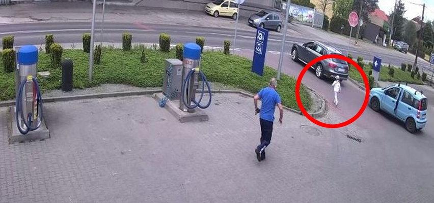 Dramatyczna akcja na stacji paliw. Pracownik w ostatniej chwili uratował dziecko. Jest nagranie