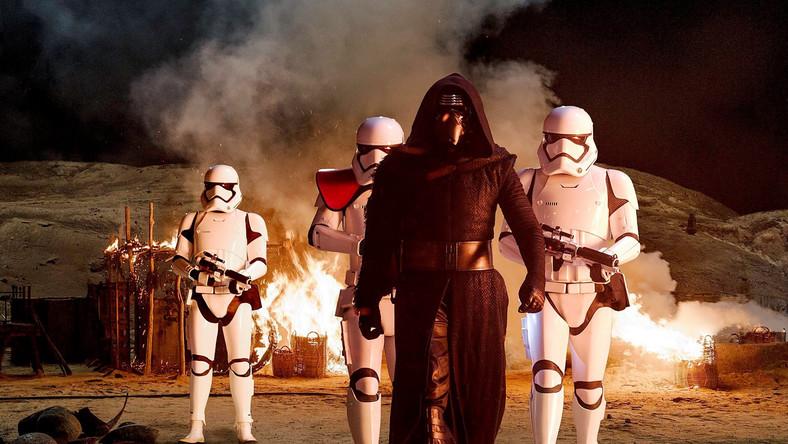 """Zwiastun """"Gwiezdnych wojen"""" bije rekordy w sieci"""
