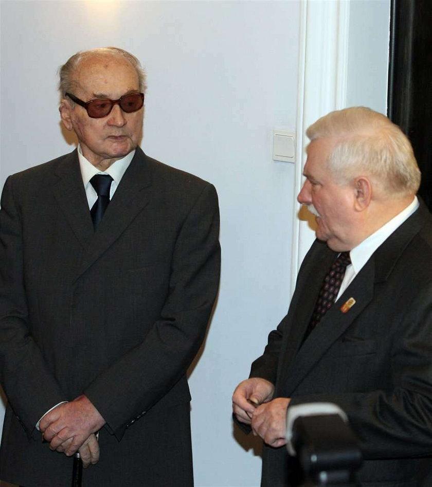Kwaśniewski u Jaruzelskiego w szpitalu