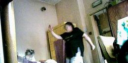 Szokujące nagranie z Gniezna. Opiekunka znęca się nad niewidomą 80-latką