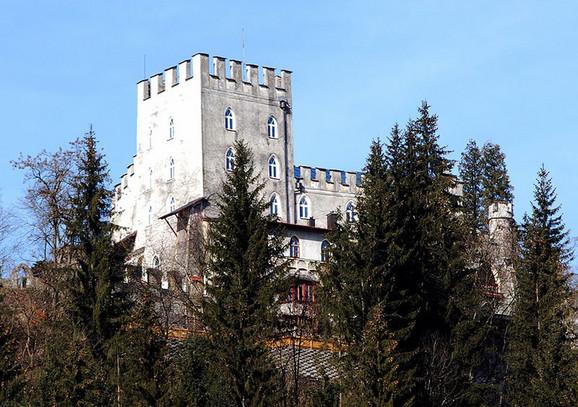 Zamak Iter (Foto:Svickova, wikipedia)