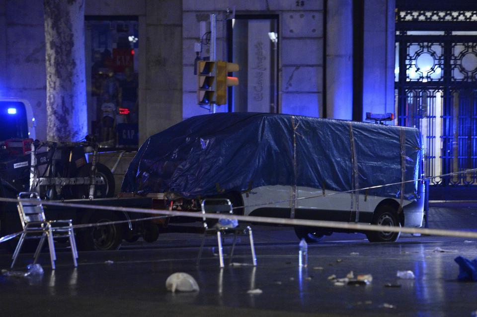 Zamach w Barcelonie. Atak terrorystyczny z użyciem furgonetki