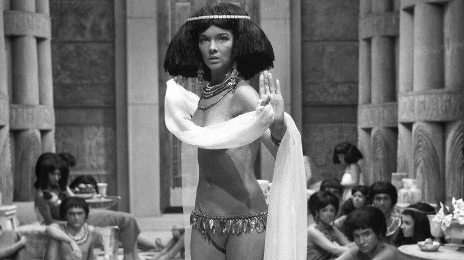 """Barbara Brylska w scenie z filmu """"Faraon"""""""