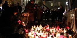 Polacy uczcili pamięć Pawła Adamowicza. Na ulicach tysiące ludzi