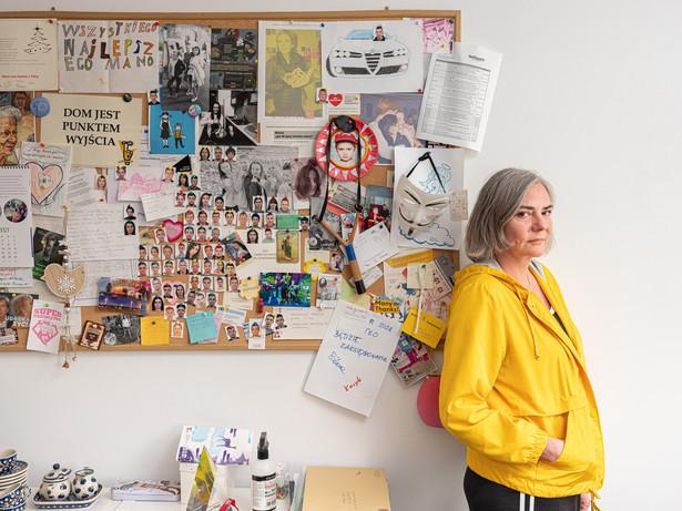Agnieszka Sikora: założycielka i prezes Fundacji po DRUGIE, zajmującej się młodymi ludźmi w kryzysie bezdomności, laureatka tytułu Bizneswoman Roku 2020 w konkursie Sukces Pisany Szminką