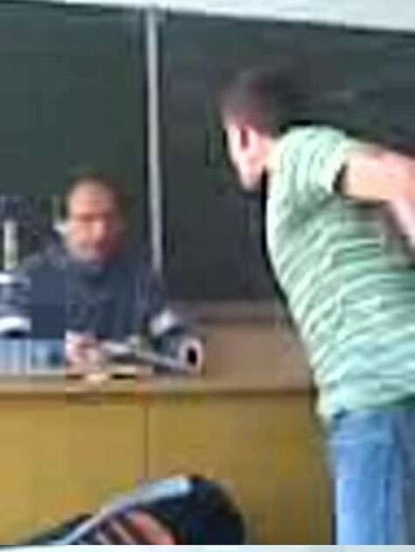 Skazani za znęcanie się nad nauczycielem