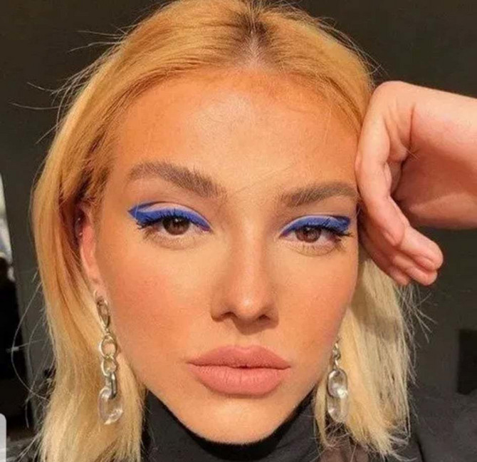 Neon ajlajner je najveći trend leta u svetu šminkanja