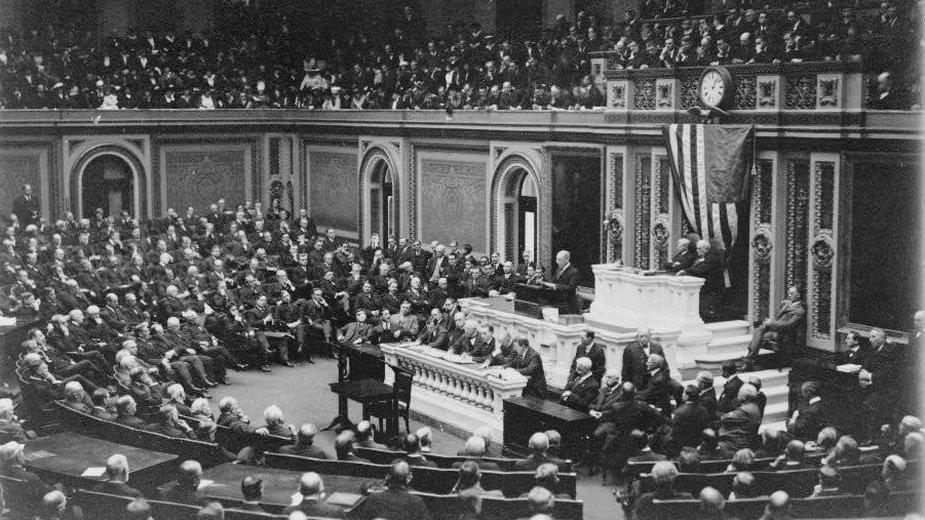 Wilson przemawia przed Konresem USA