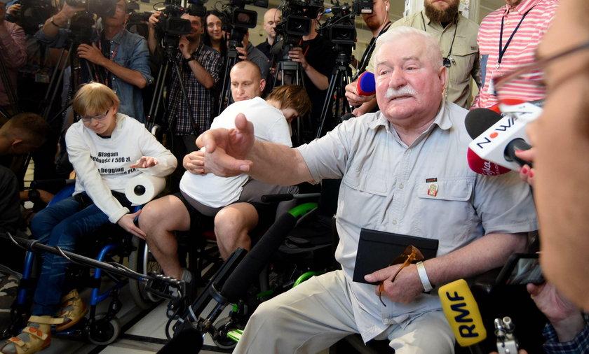 Wałęsa do niepełnosprawnych: Poprosiłbym o pomoc górników