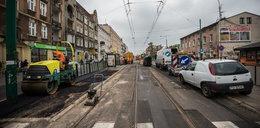Dąbrowskiego skończą dopiero w lipcu?