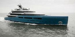 Wnętrze tego jachtu jest obrzydliwie luksusowe. Zmieścili tam nawet ...