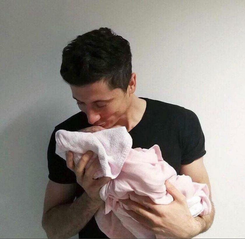 Robert Lewandowski i córka.