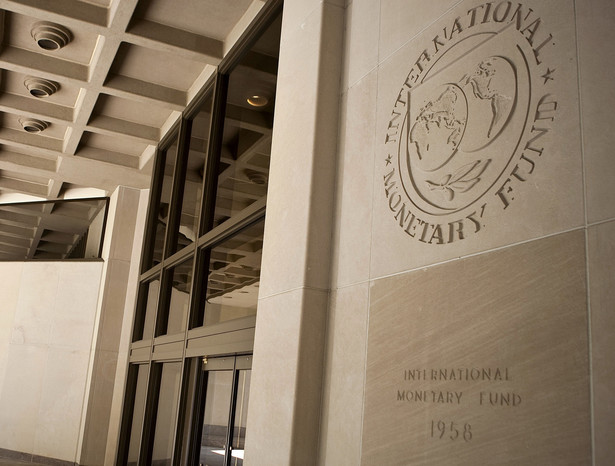 Dla MFW kryzys był zawsze szansą na wzmocnienie swojej pozycji. Opisując renesans Międzynarodowego Funduszu Walutowego (MFW) w ciągu ostatnich kilku lat eksperci uciekają się do tej samej metafory. – Odrodził się jak Feniks z popiołów – mówi Ken Rogoff, były główny ekonomista tej instytucji.