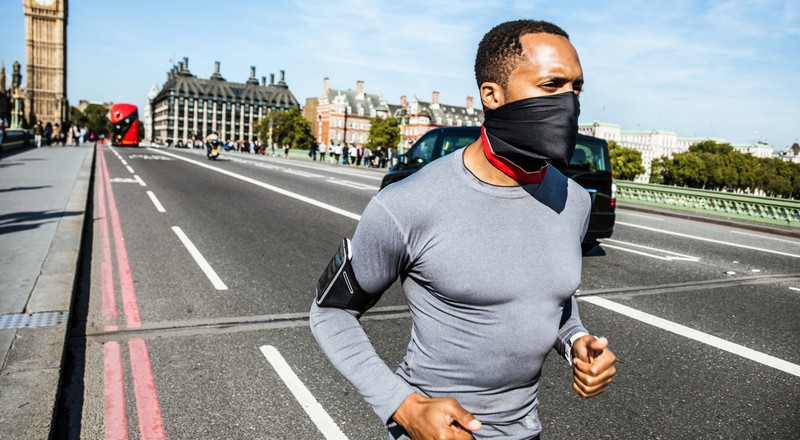 My Favorite Face Mask for Summer Running Is This $15 Neck Gaiter You Can Buy on Amazon