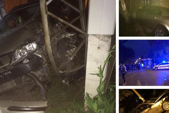 STRAHOVIT UDES Maloletnik vozio 100 na sat pa udario u drugi automobil, TRUDNICA ISPALA IZ KOLA i završila u jarku (FOTO)