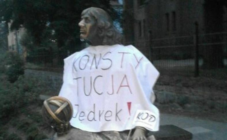 Pomnik Kopernika w Olsztynie KOD