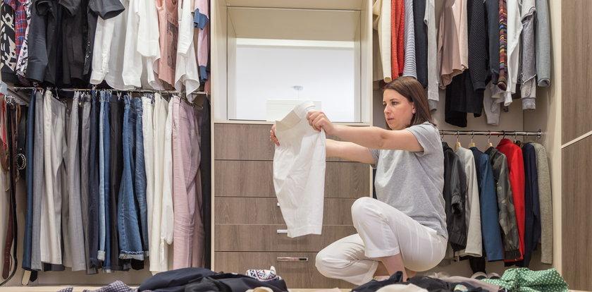 Zrób remanent w szafie i ułóż rzeczy według planu. Kilka prostych trików